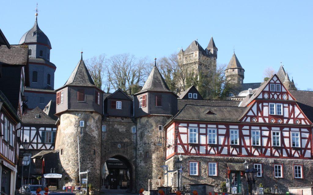 Das Eingangstor zum Schloss Braunfels