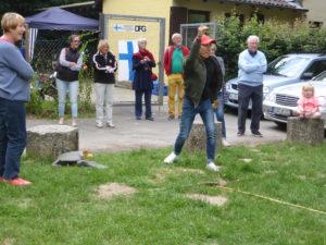 Mölkky spielen beim Sommerfest in Wiesbaden