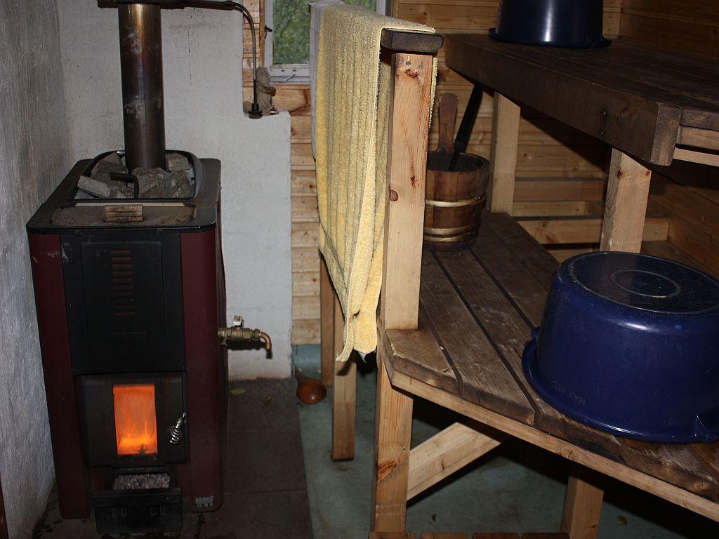 Mit Holz geheizter Saunaofen